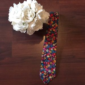 Fun Vintage Floral Tango Max Raab Tie